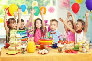 Petreceri pentru copii cu animatori